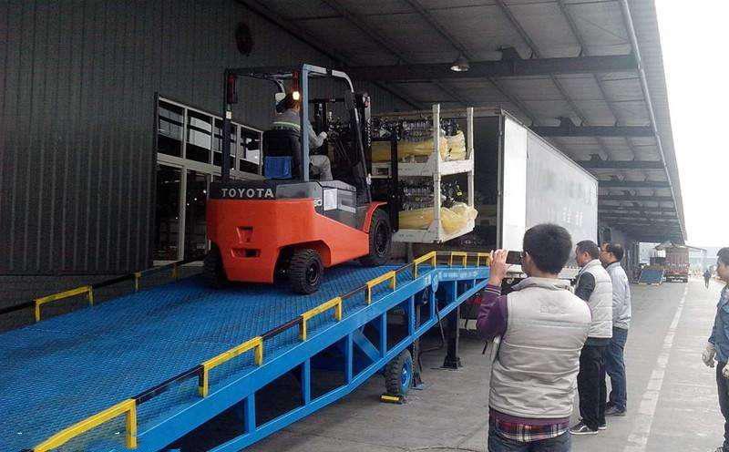 港口装卸 装卸桥 集装箱装车平台登车桥 集装箱装卸桥